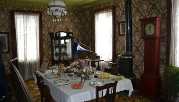 inside the spruce lane farm house