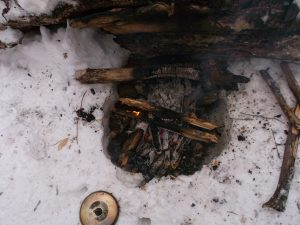 How to set up a winter camp - fire pit